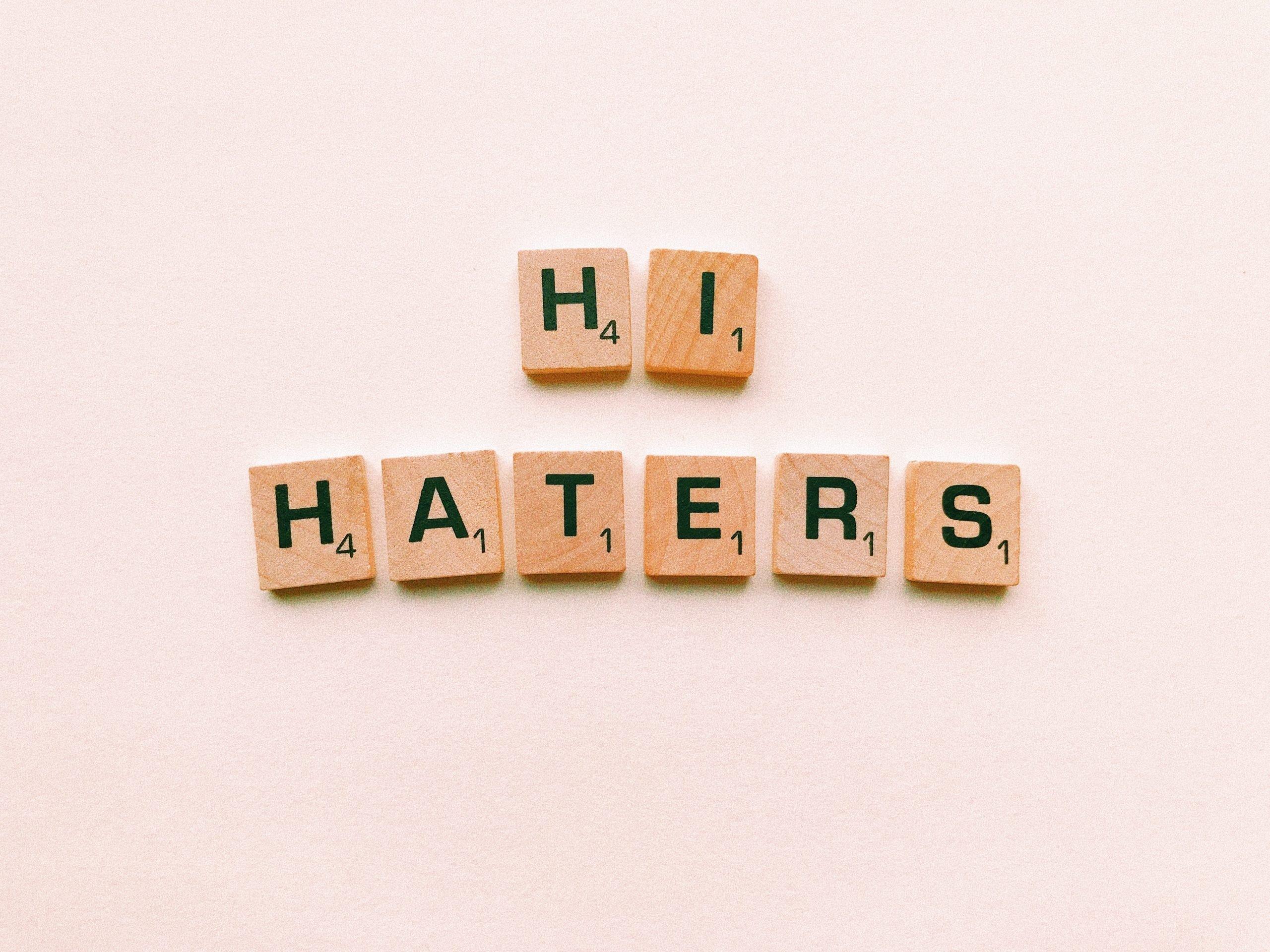Regole per gestire gli hater sui social