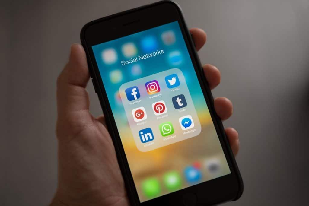 iphone app group social