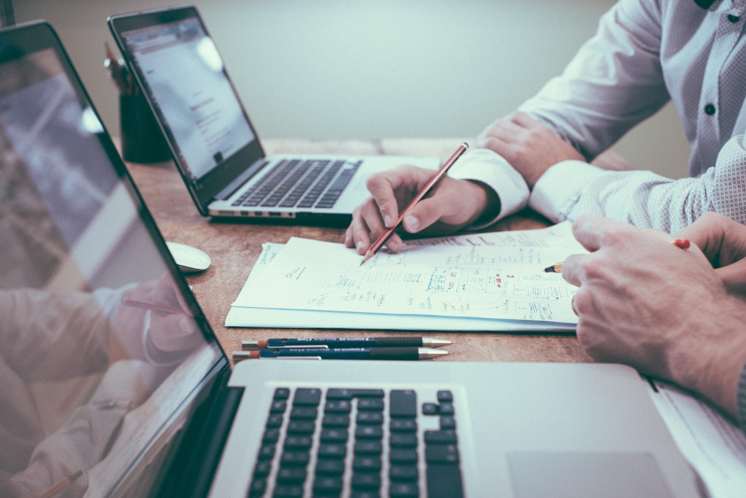 Copywriter: le differenze tra Online e Advertising   Piano Social
